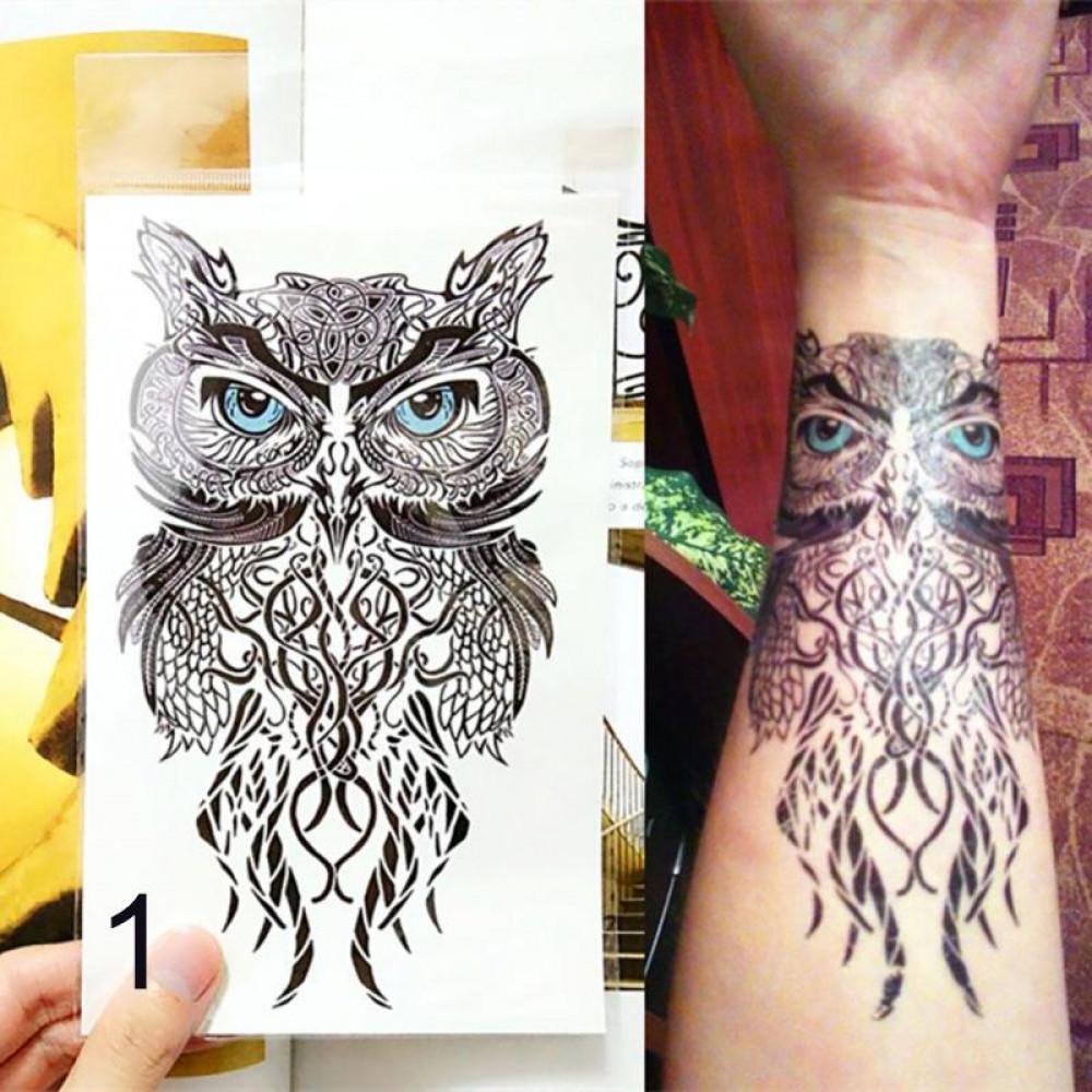 Laicīgs mākslīgs tetovējums krūtīm