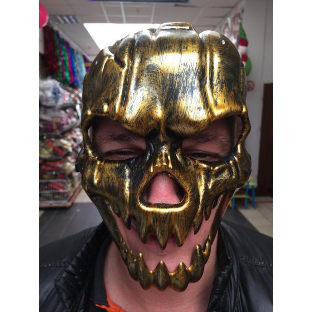 Maska-galvaskauss Helovīna ķirbja stīlā