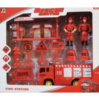 Ugunsdzēsēju mašīna ar ugunsdzēsēju figūriņām un zīmju komplektu