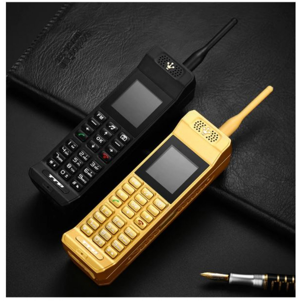 Push-button retro telephone brick motorolla replica with support for 2 SIM cards, hello to raspberry jackets from the 90s