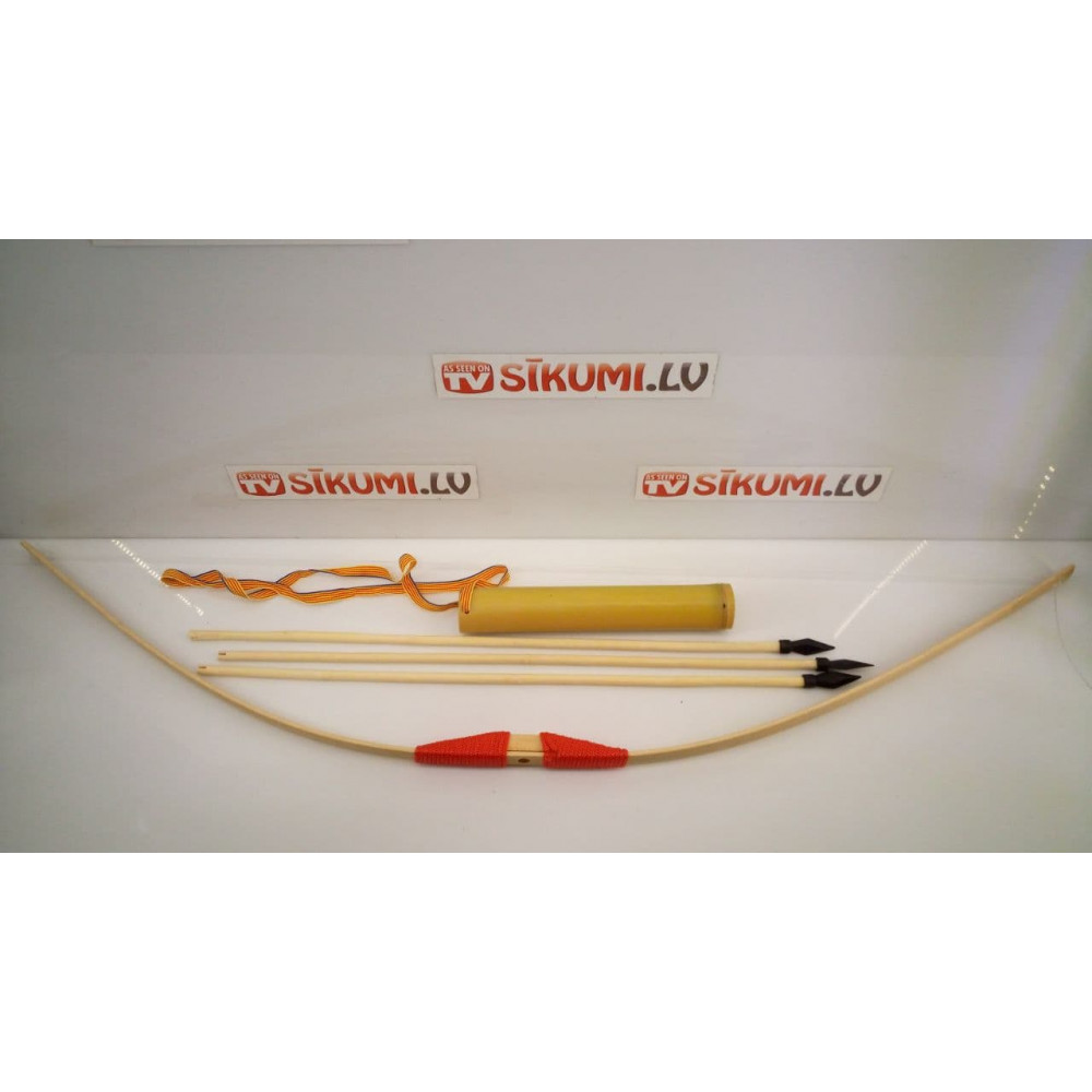 Classic wooden childrens bow for shooting, with a quiver and arrows with a plastic tip, 90 cm